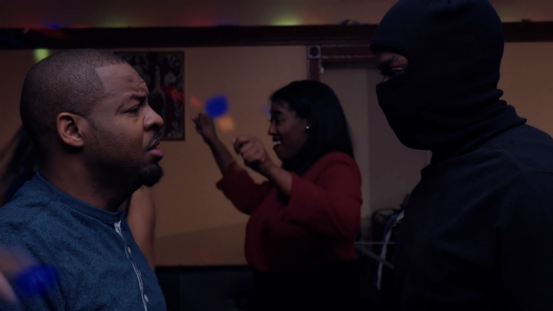 Anthony Anderson's Sean confronts a masked man on ANACOSTIA S5